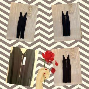 Pants - ❤️Black JUMPSUIT with zipper front❤️